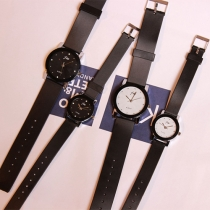 Fashion Rubber Watchband Round Dial Couple Watch